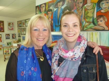 Madeleine Rousseau et Caroline Langis, attachée de presse