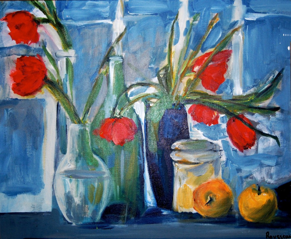 fleurs rouges fond bleu