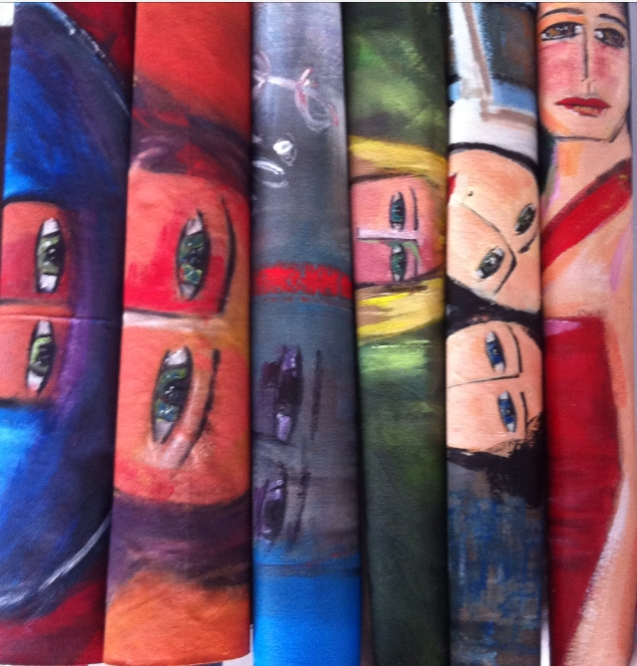 Les yeux de 6 tableaux roulés....